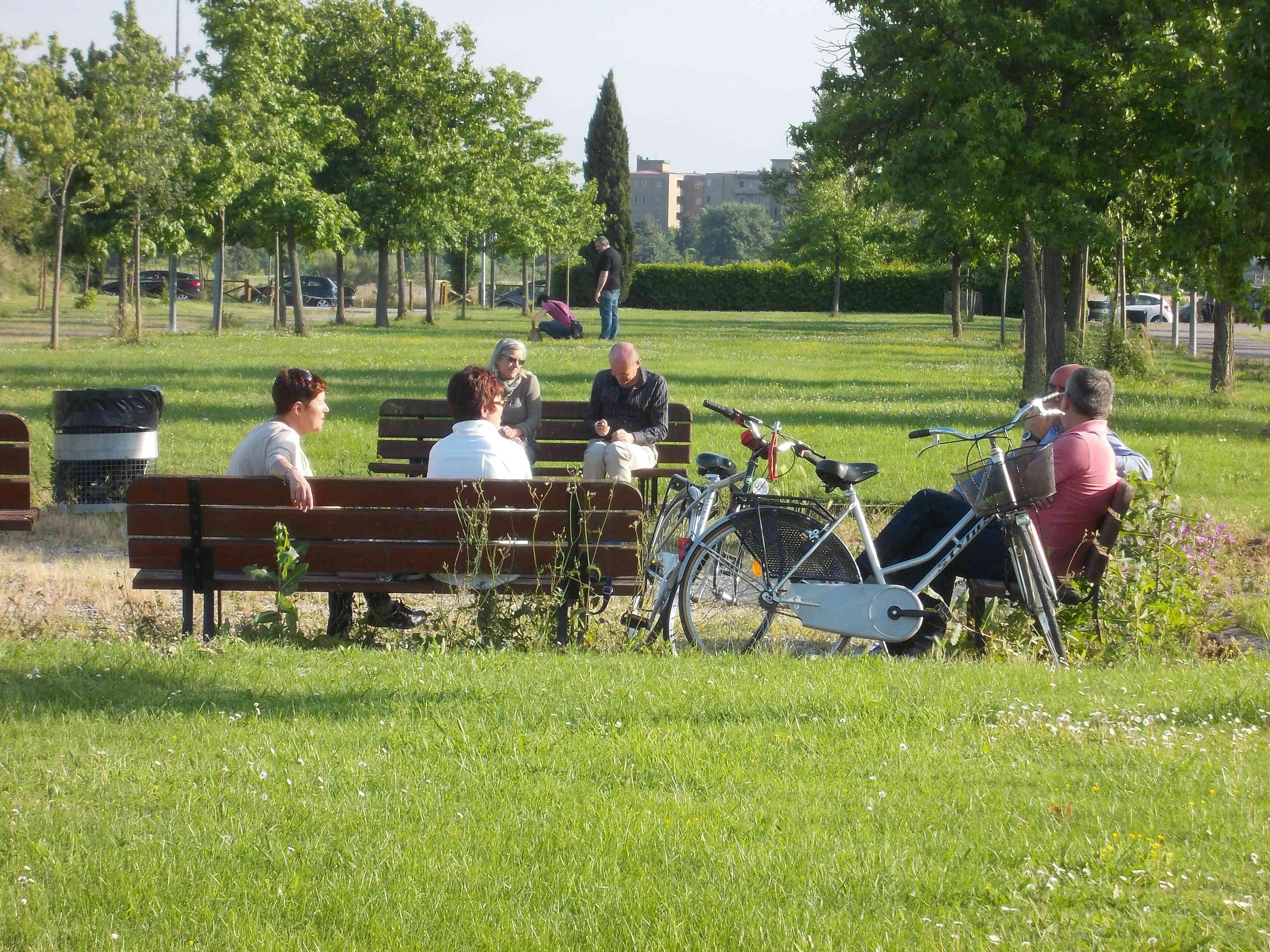 Il verde urbano conquista terreno. Più parchi, giardini e prati nelle città italiane