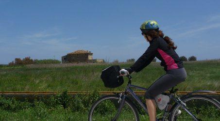bicicletta campagna turismo