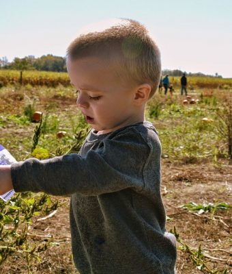 bambino agricoltura